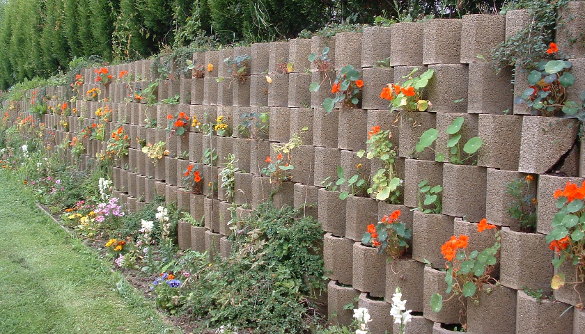 Dry Build Solutions for Vertical Landscaping